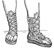 buty noszone przez starożytnych Greków, potem rzymskich żołnierzy