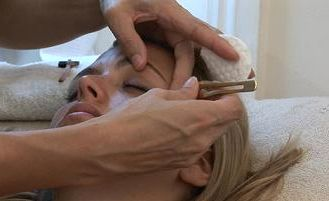 how-to-pluck-your-eyebrows-3